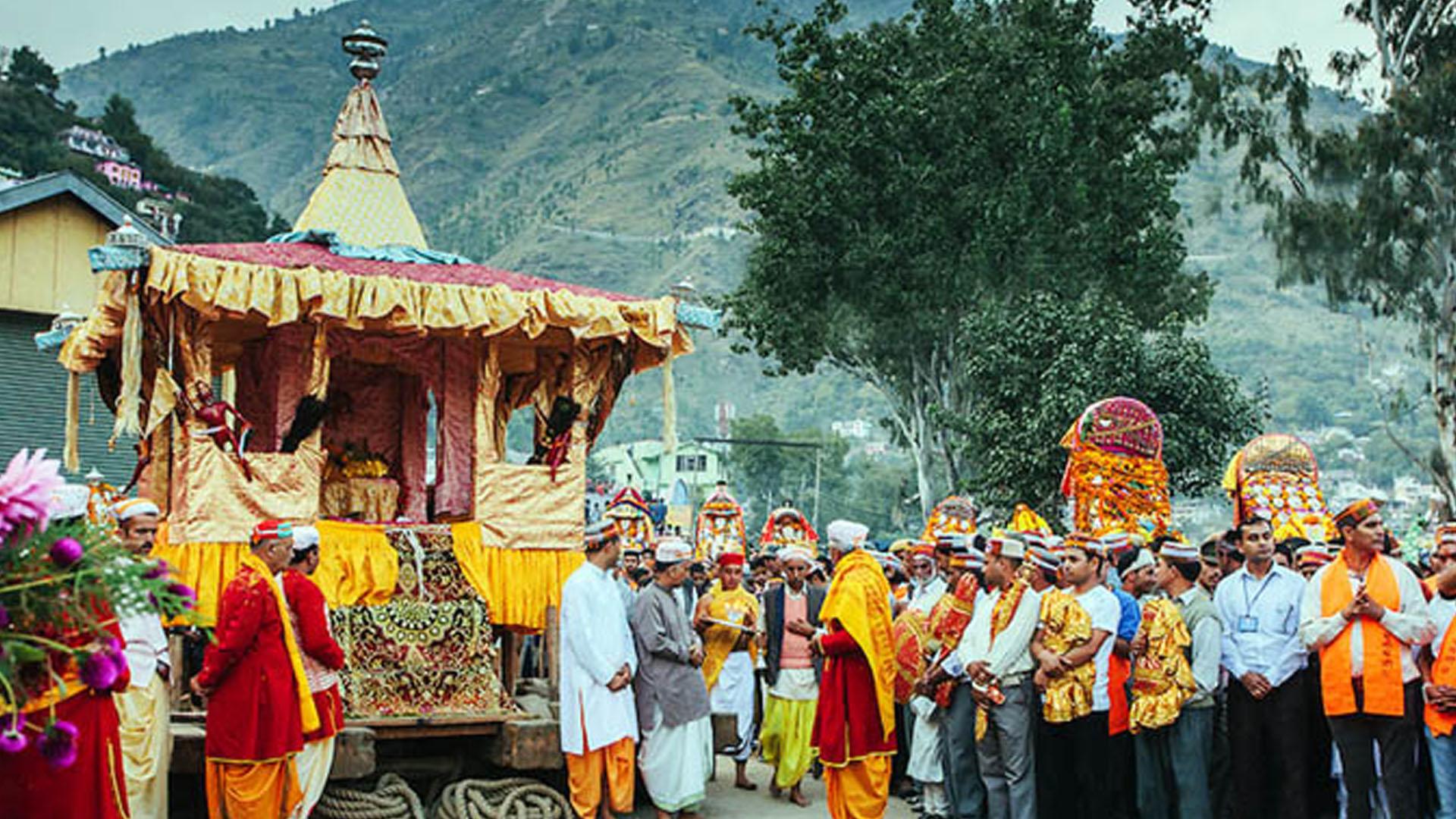 Experience Dussehra in Kullu, India